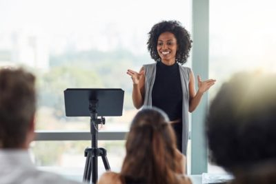 10 Public Speaking Tips From A PR Expert
