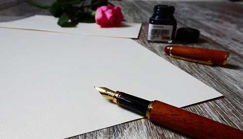 Pen and notepaper for thank-you note